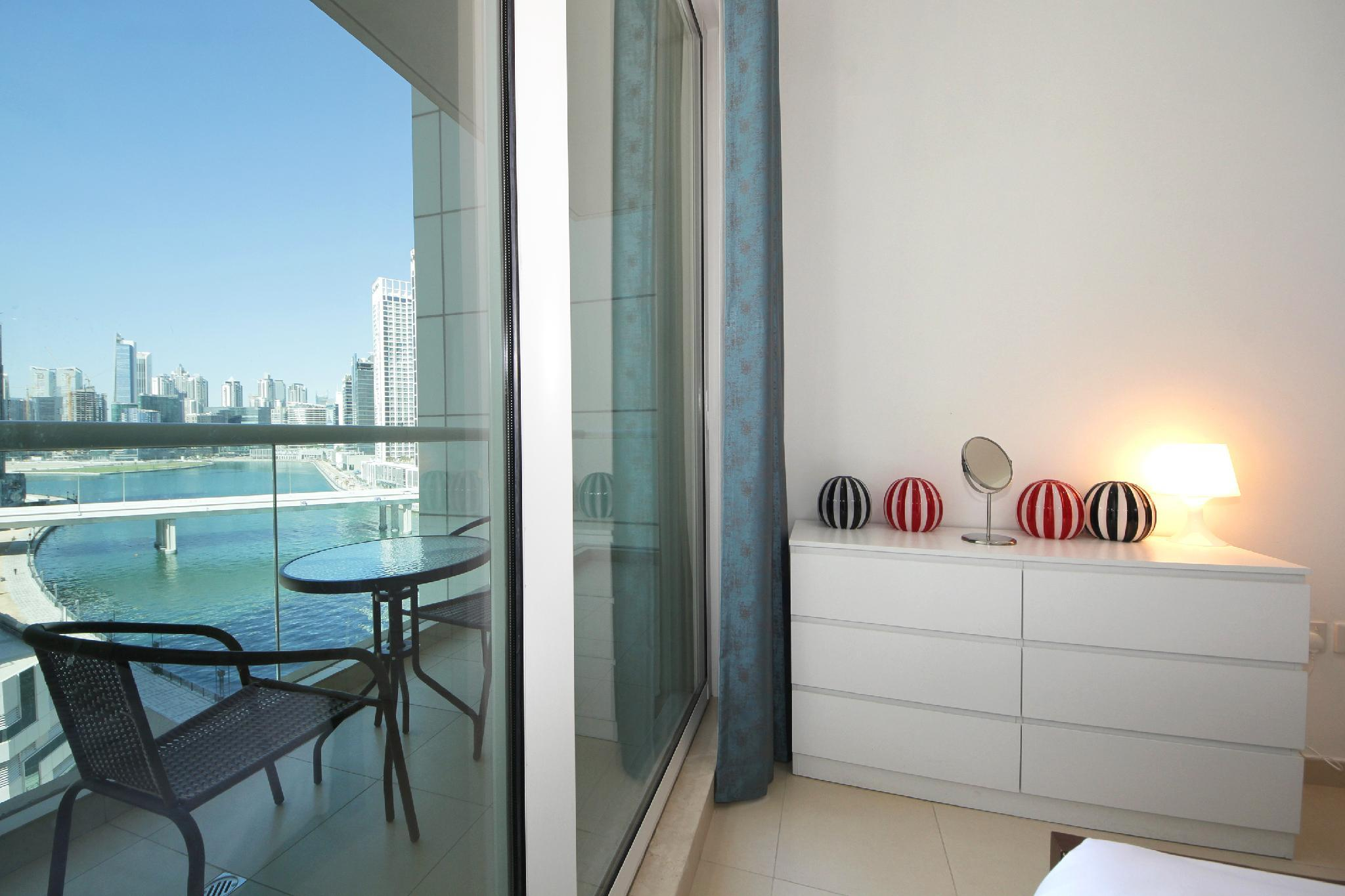 Brand New 1 Bedroom Apartment Lake View