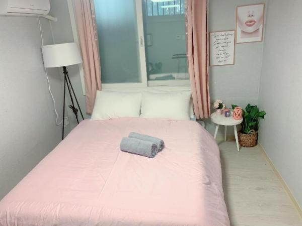 2Bed room- 3mins from Itewon station Seoul