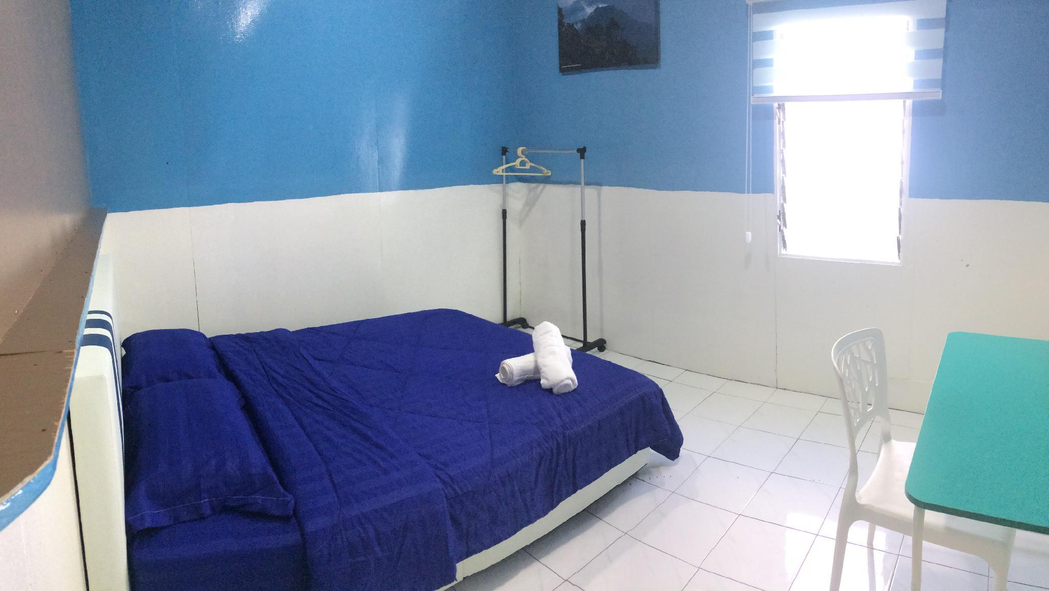 Ah Fu Room 3  Blue
