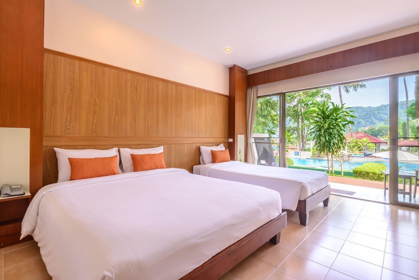 Triple room with directly access to swimming pool2 1 ห้องนอน 1 ห้องน้ำส่วนตัว ขนาด 35 ตร.ม. – ป่าตอง