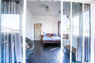 [サンカーオウ]スタジオ バンガロー(16 m2)/1バスルーム Double room with balcony @ Sweet Life Guesthouse