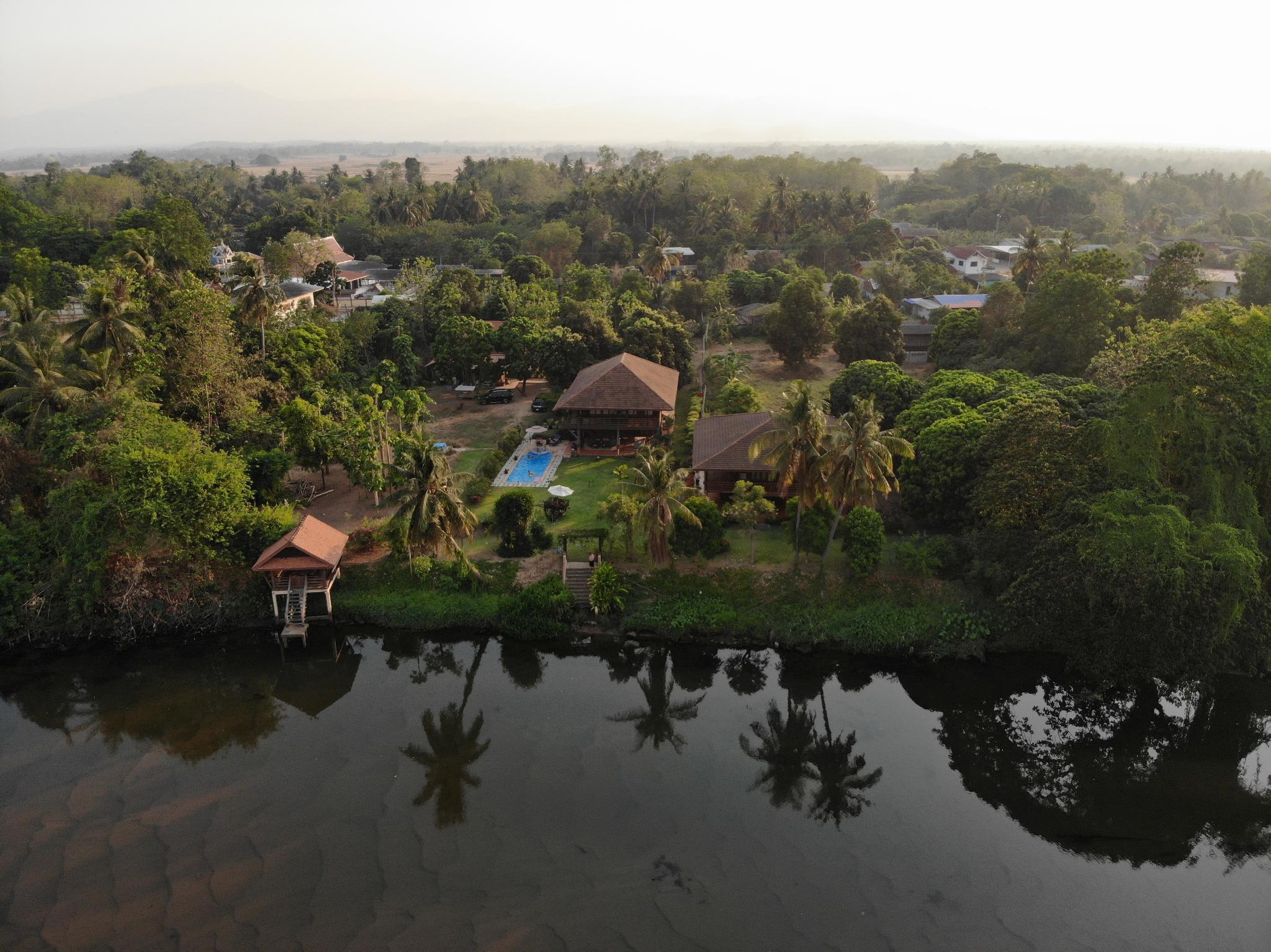 Ban Suan Arun. The River Property.