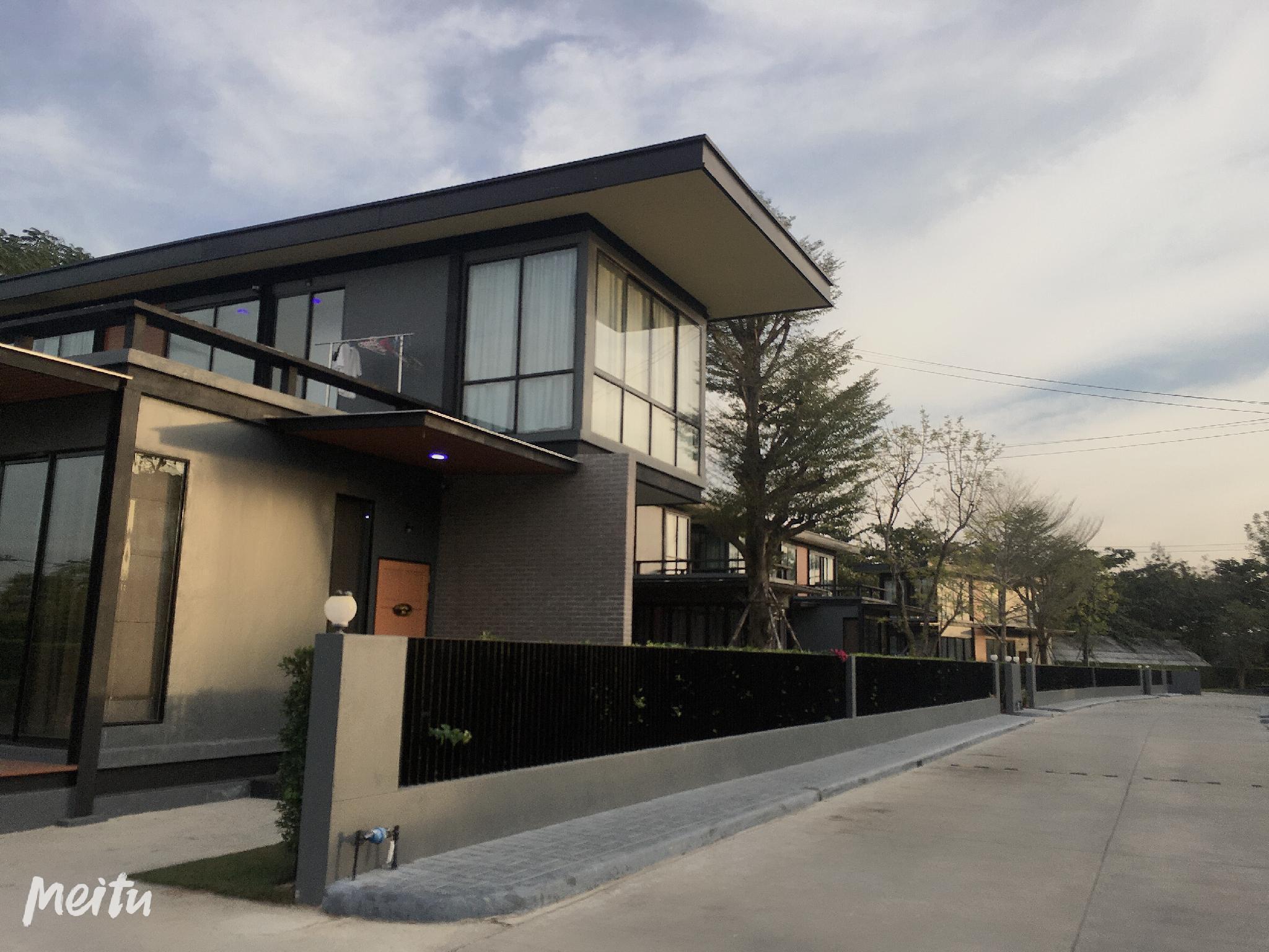 Fashion pool villa can be home party cooking วิลลา 3 ห้องนอน 4 ห้องน้ำส่วนตัว ขนาด 180 ตร.ม. – ห้วยใหญ่
