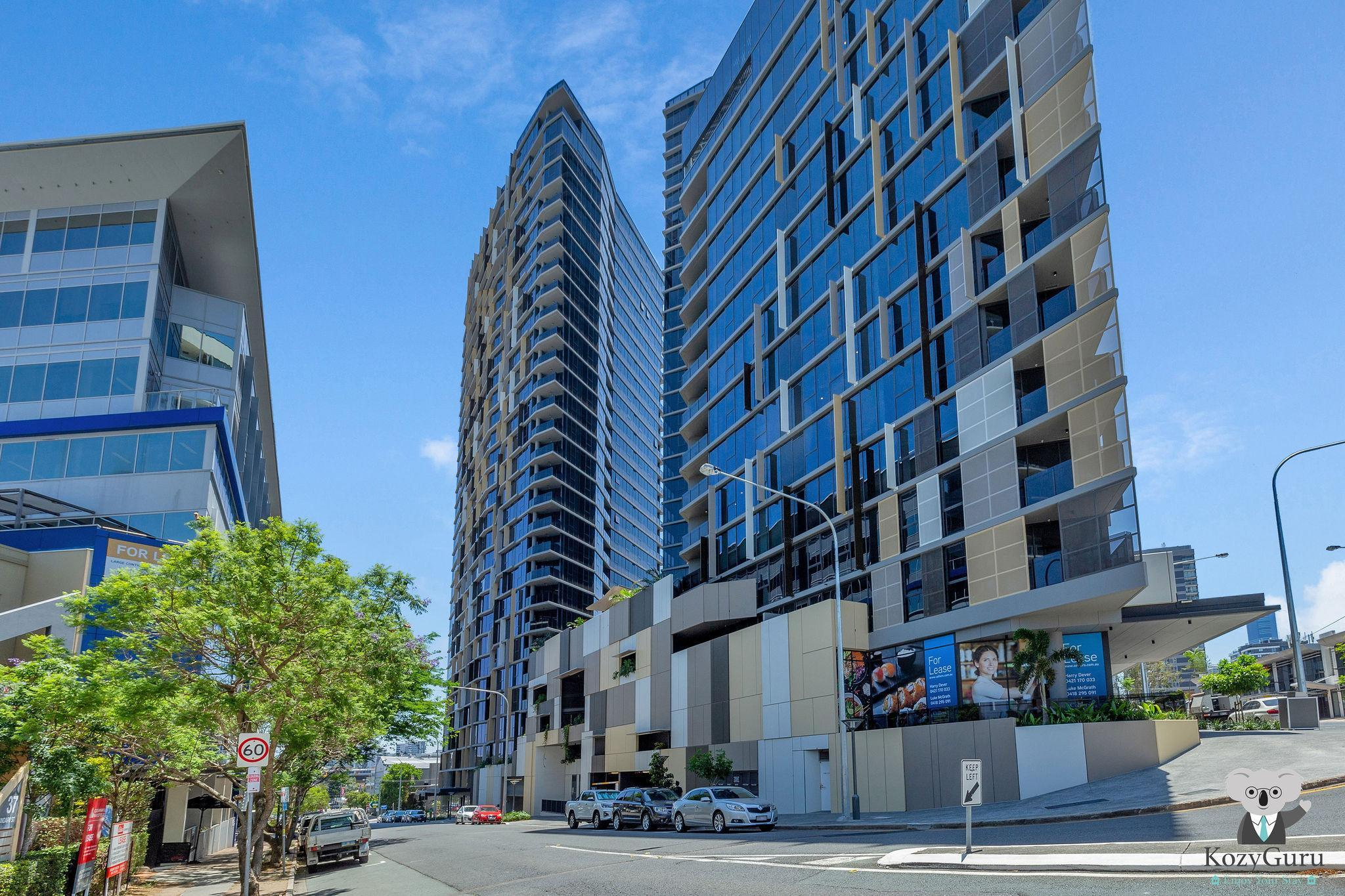 South Brisbane Kozy 1Bed APT + FREE Parking QSB001