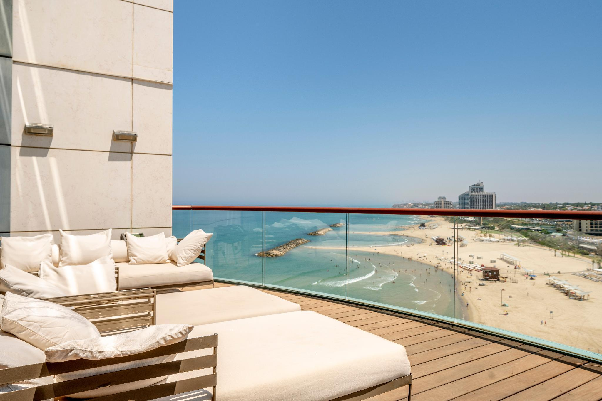 Panoramic Sea View W  Pool And Gym Access