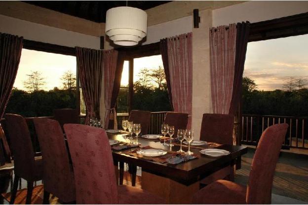 4BR Luxury Private Villa with Jungle View