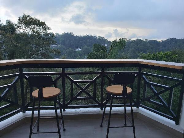 Comfy Luxury@Silverpark  B133A2  (walk up 1.5 flr) Fraser Hill