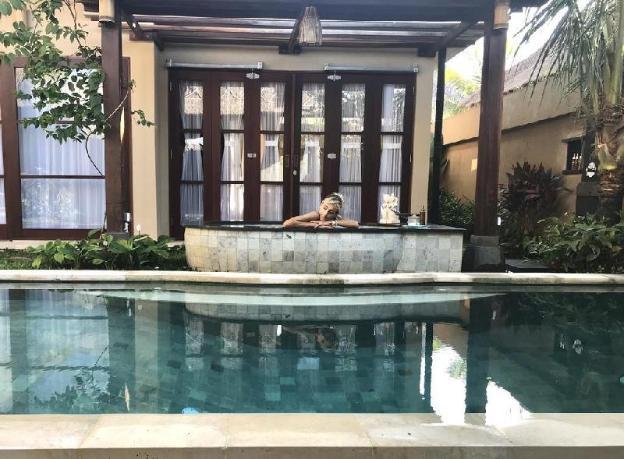 1 Bedroom Royal Pool Villa - Breakfast#UNBRS