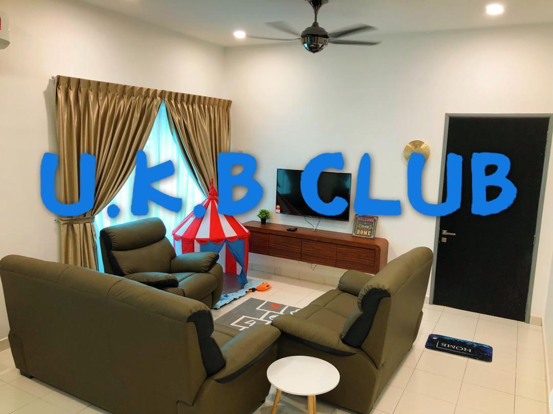 U.K.B CLUB DESARU UTAMA  4 Bed Rooms 14PAX