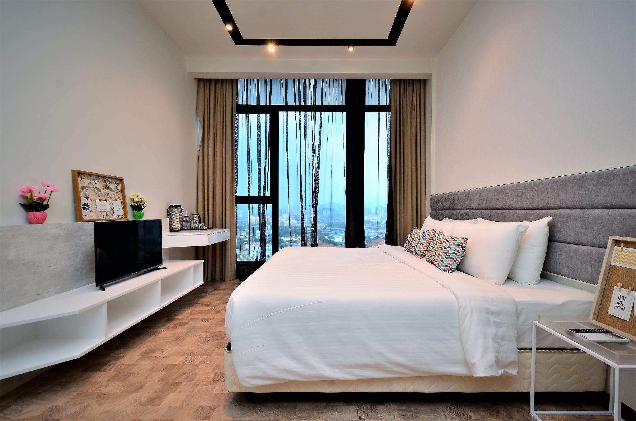 Expressionz Deluxe Suite Near KLCC Pool View