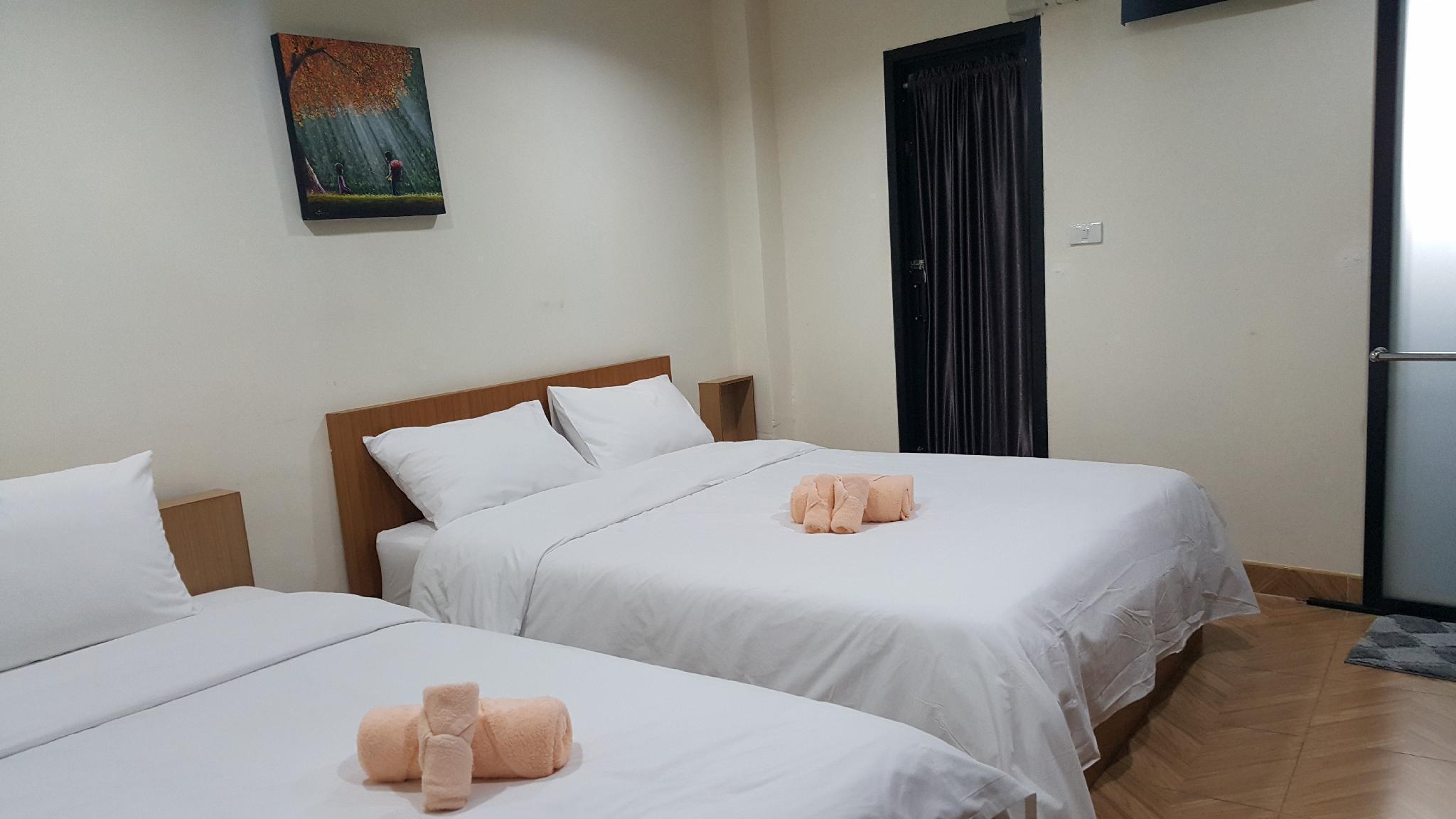 Double D Rooms(Budget Triple) อพาร์ตเมนต์ 1 ห้องนอน 1 ห้องน้ำส่วนตัว ขนาด 90 ตร.ม. – ธนบุรี