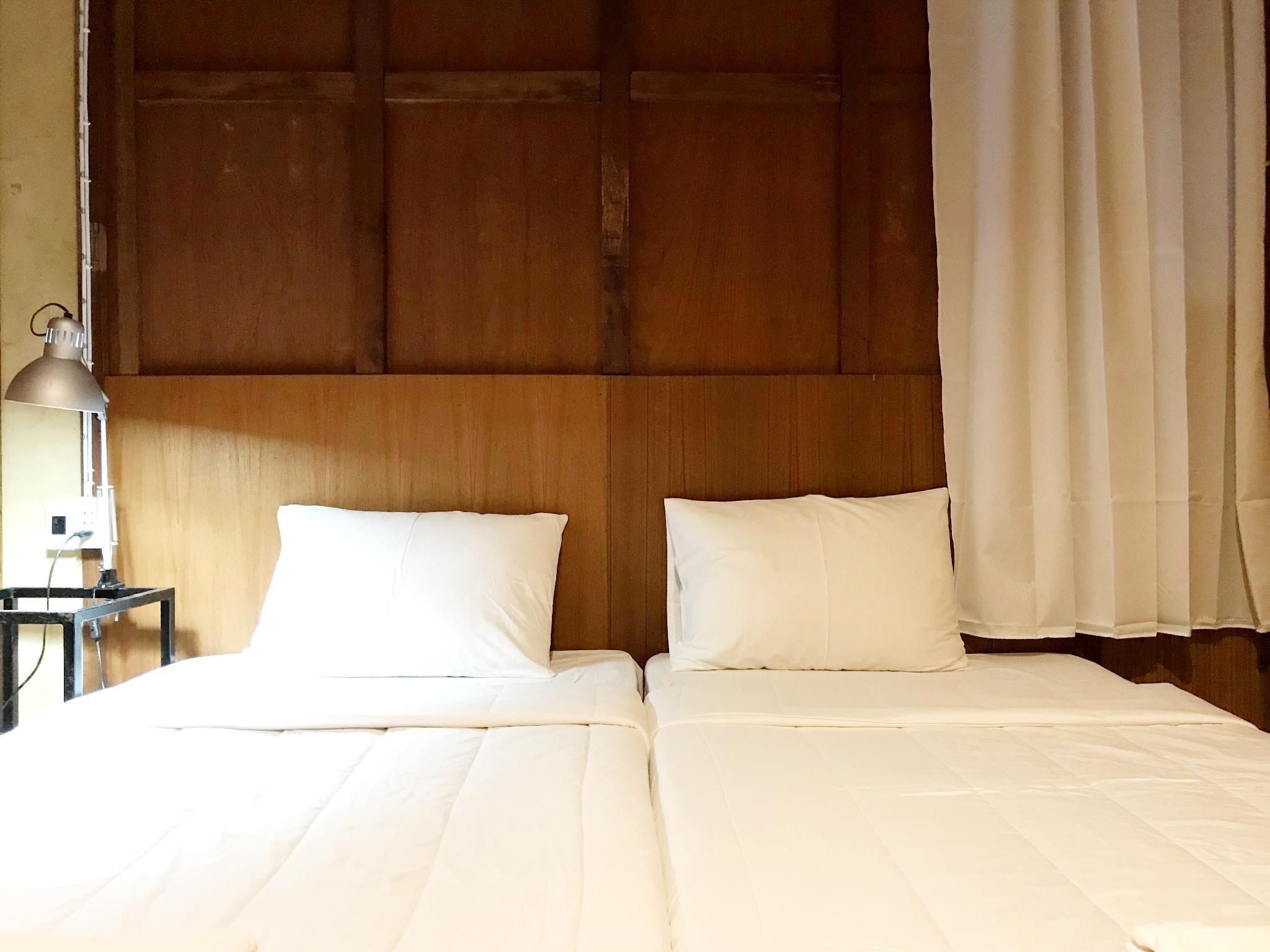 Soulmate  Private Room  By Boundary Hostel Cafe