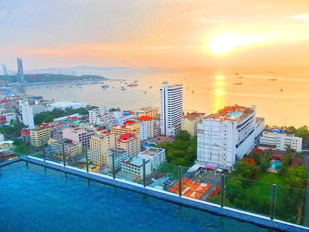 The Base Suite Central Pattaya Beach