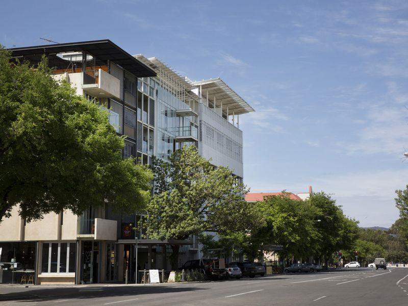Adelaide Apt WIFI Netflix Parking+Great Location