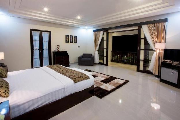 1BR. Private Poll Villa & Breakfast