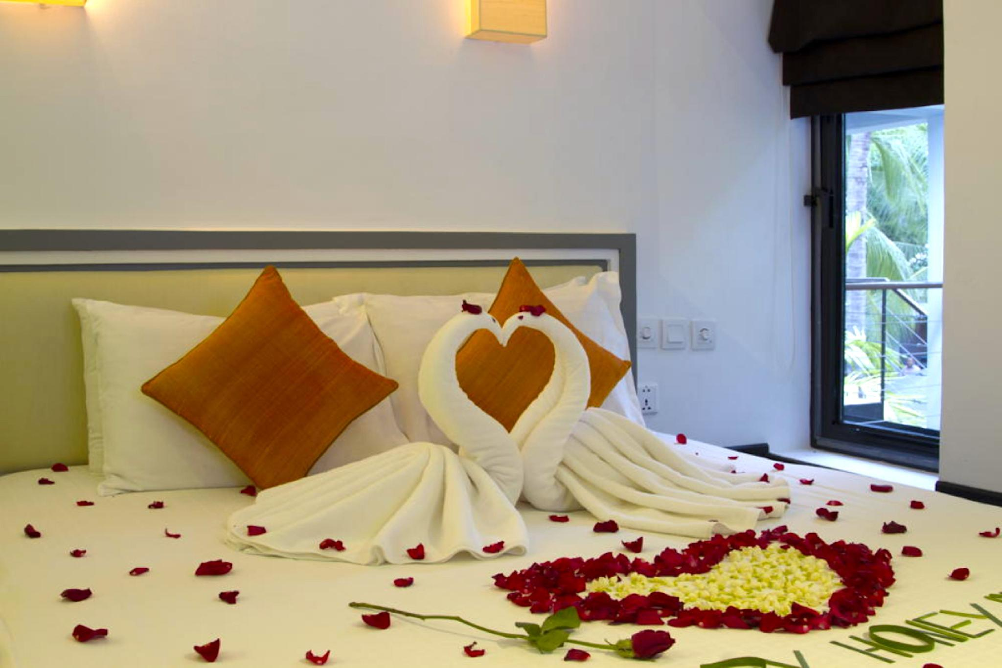 Private Deluxe Double  Room 203   Free Breakfast
