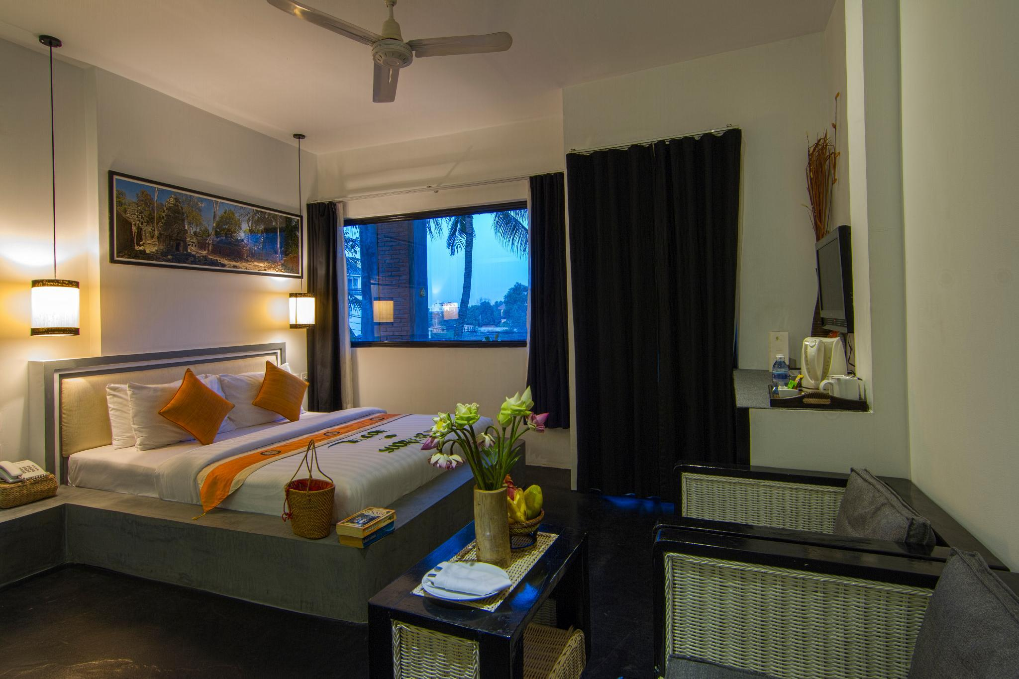 Private Deluxe Double  Room 204   Free Breakfast