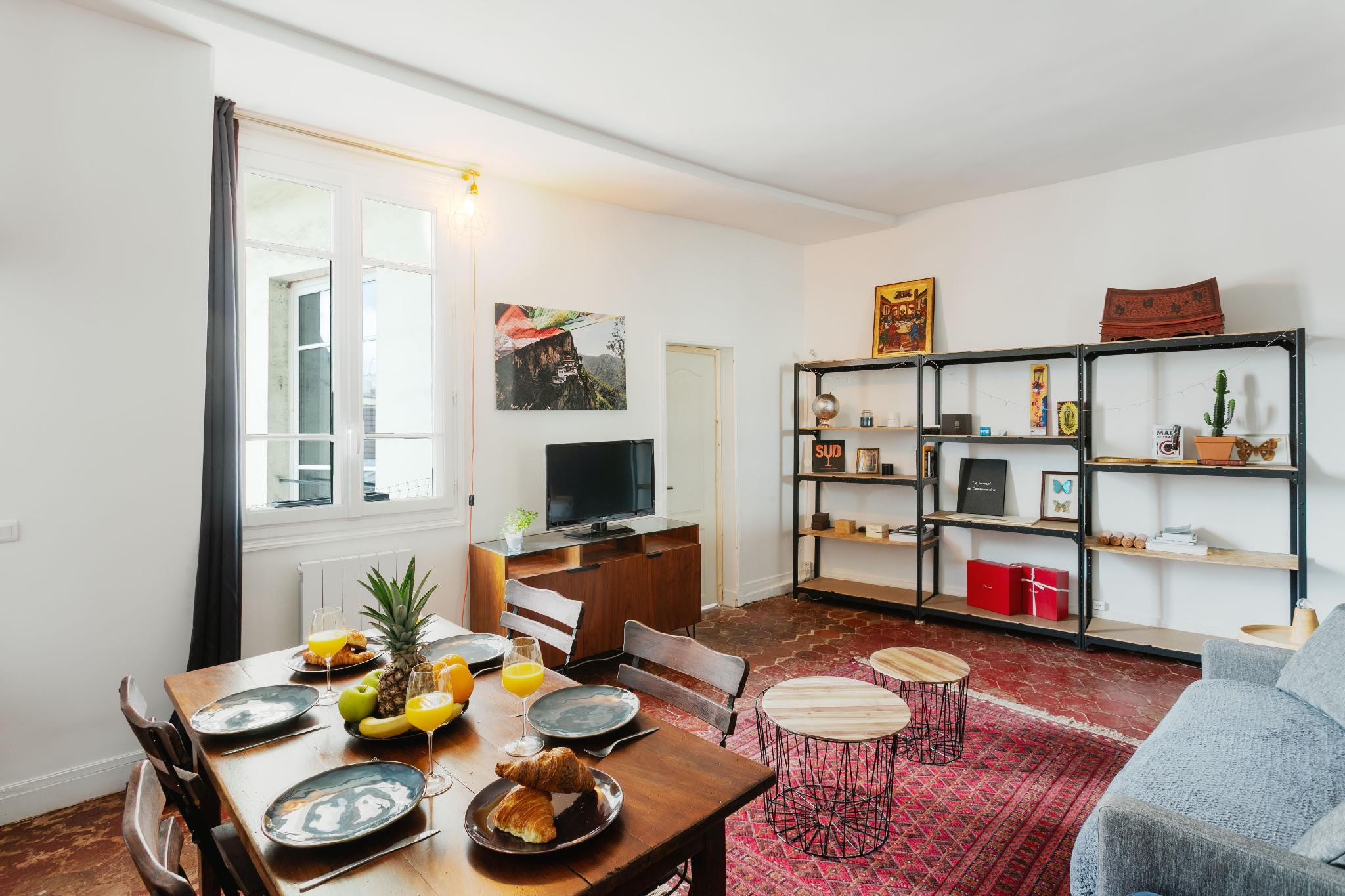 MONTORGUEIL AREA  COSY 1BR IN THE HEART OF PARIS