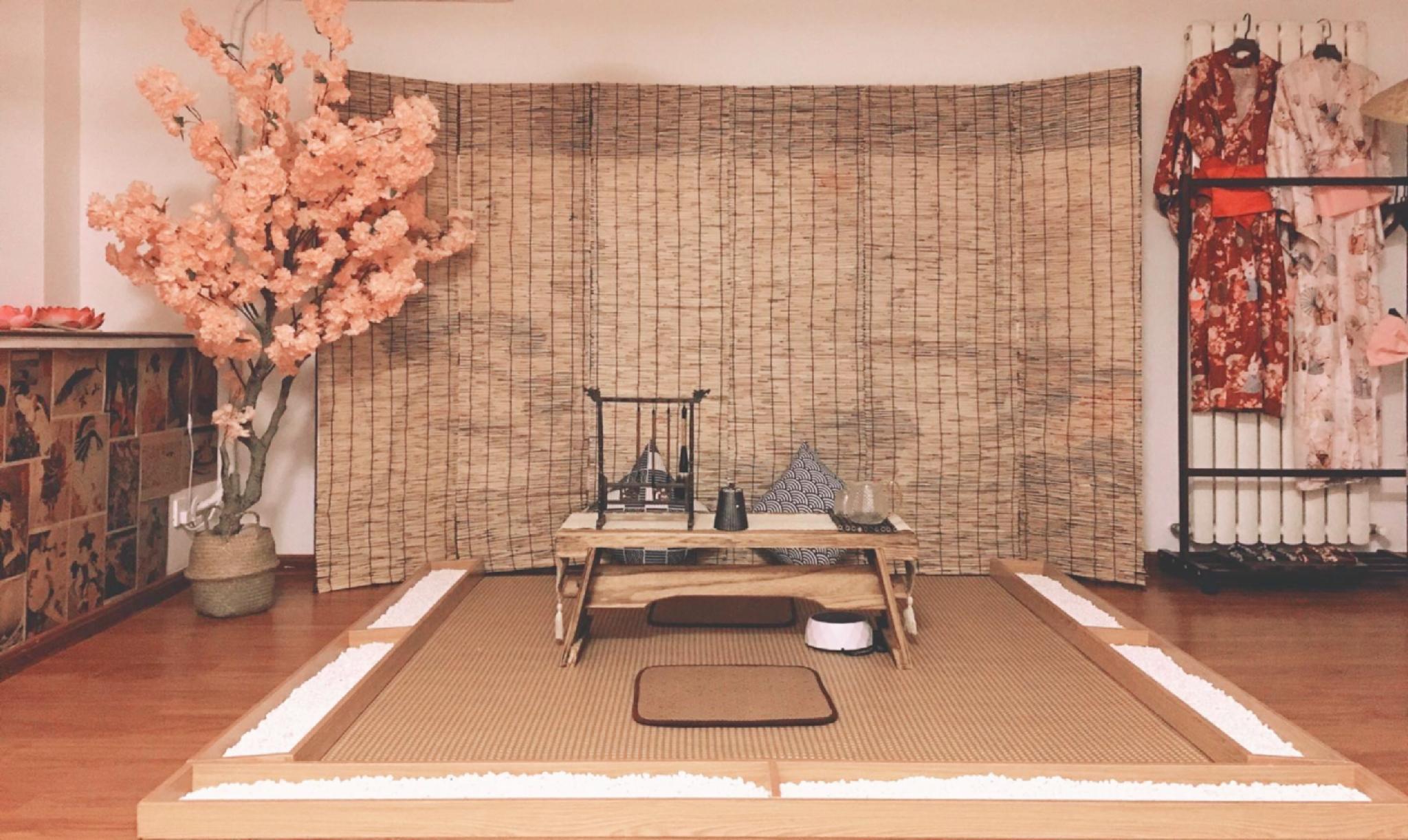 Flourish Beside  Sakura Lijing Men LongmenGrottoes