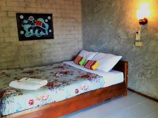 [市内中心部]一軒家(20m2)| 6ベッドルーム/1バスルーム Banbondoi Homestay Maehongson