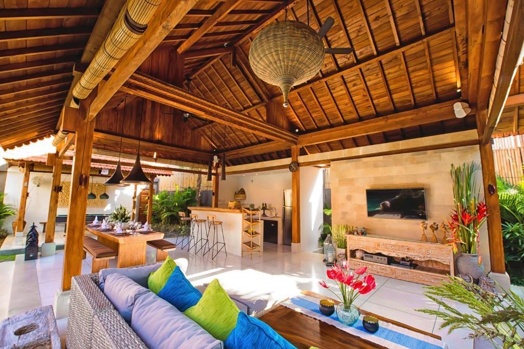 3 BR Villa+private Pool+Bathtub+Brkfst@ 173 Canggu