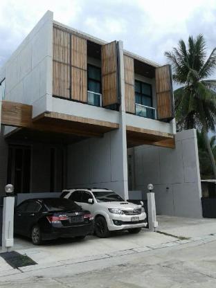 [市内周辺]一軒家(65m2)  3ベッドルーム/3バスルーム VIP Beach Sivilai (T8) Town Home Beach Front