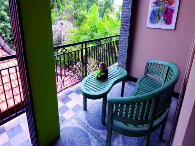2BR w/Aircon,hotwater, wifi, 2level house balcony