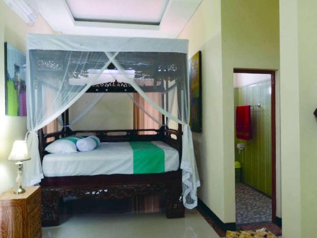 One bedroom ,w/Balcony , aircon, wifi, breakfast