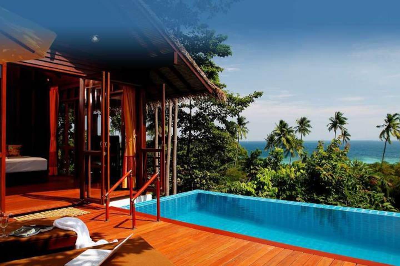 Romantic Villa with Private Pool and Sea Views