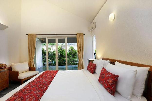 3BR-Private Blue Turquoise Pool+Brkfst@(1)Seminyak