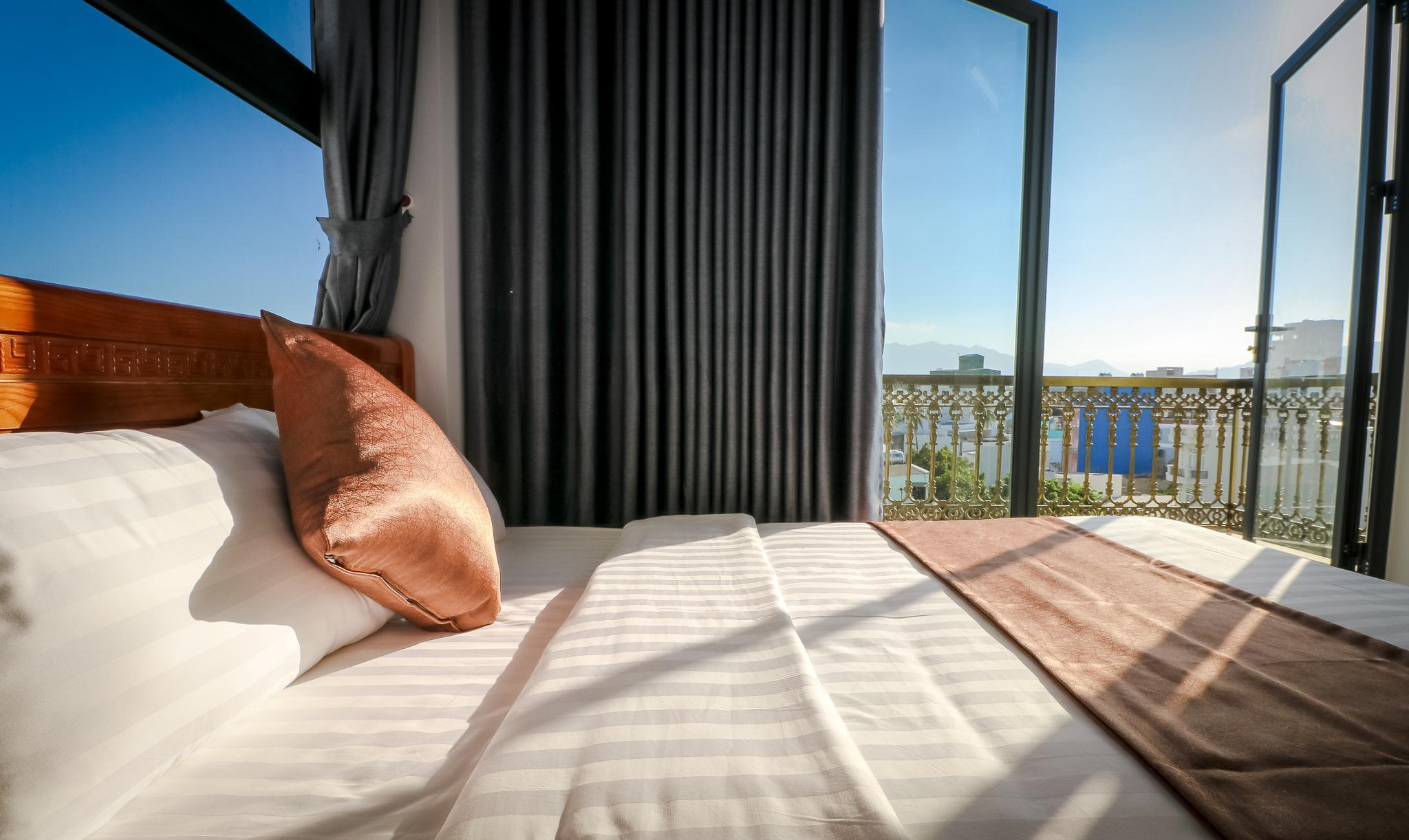 Double Room Near The Sea 2