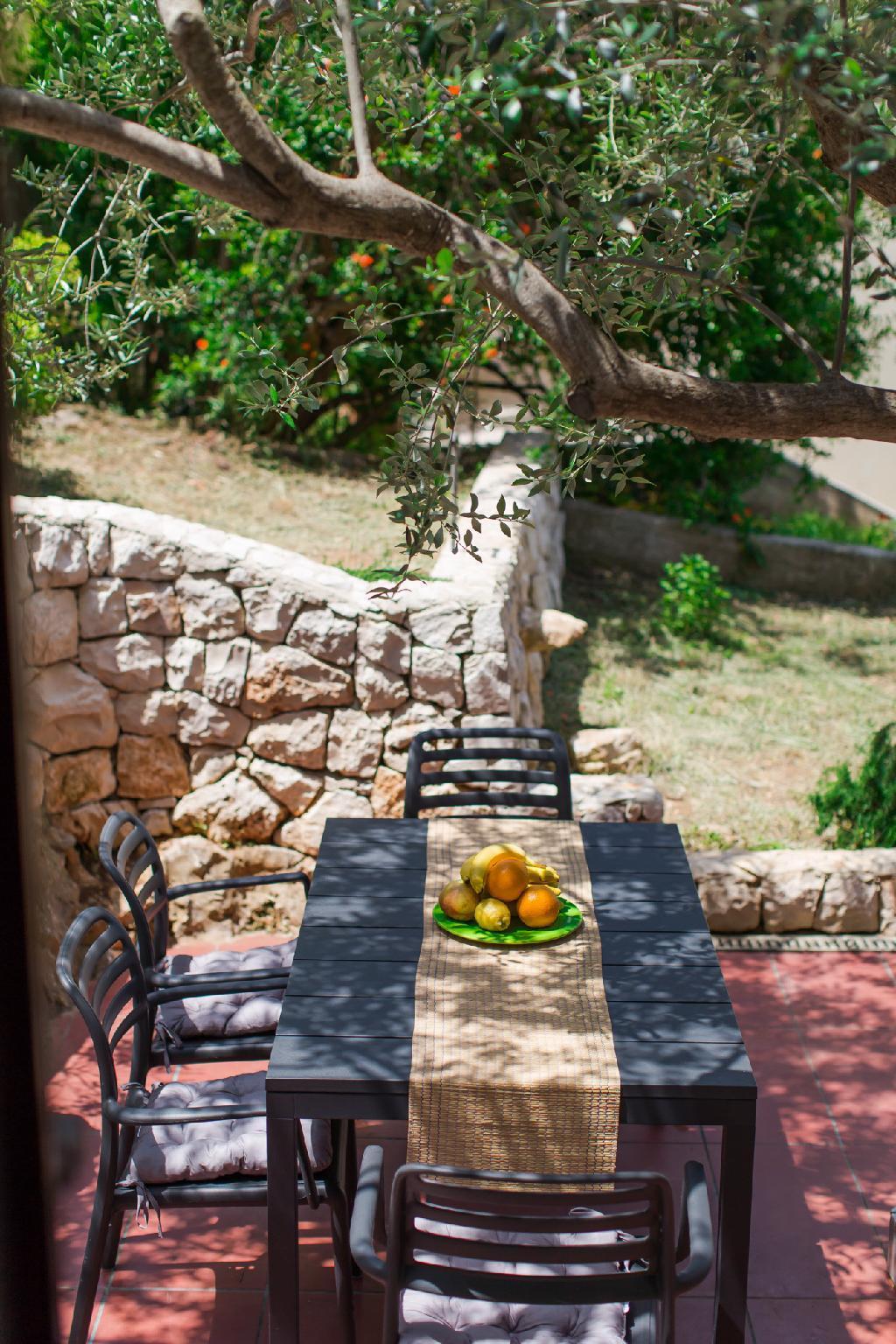 Casa Dubi.   Moodest Summer Retreat In Hvar Town