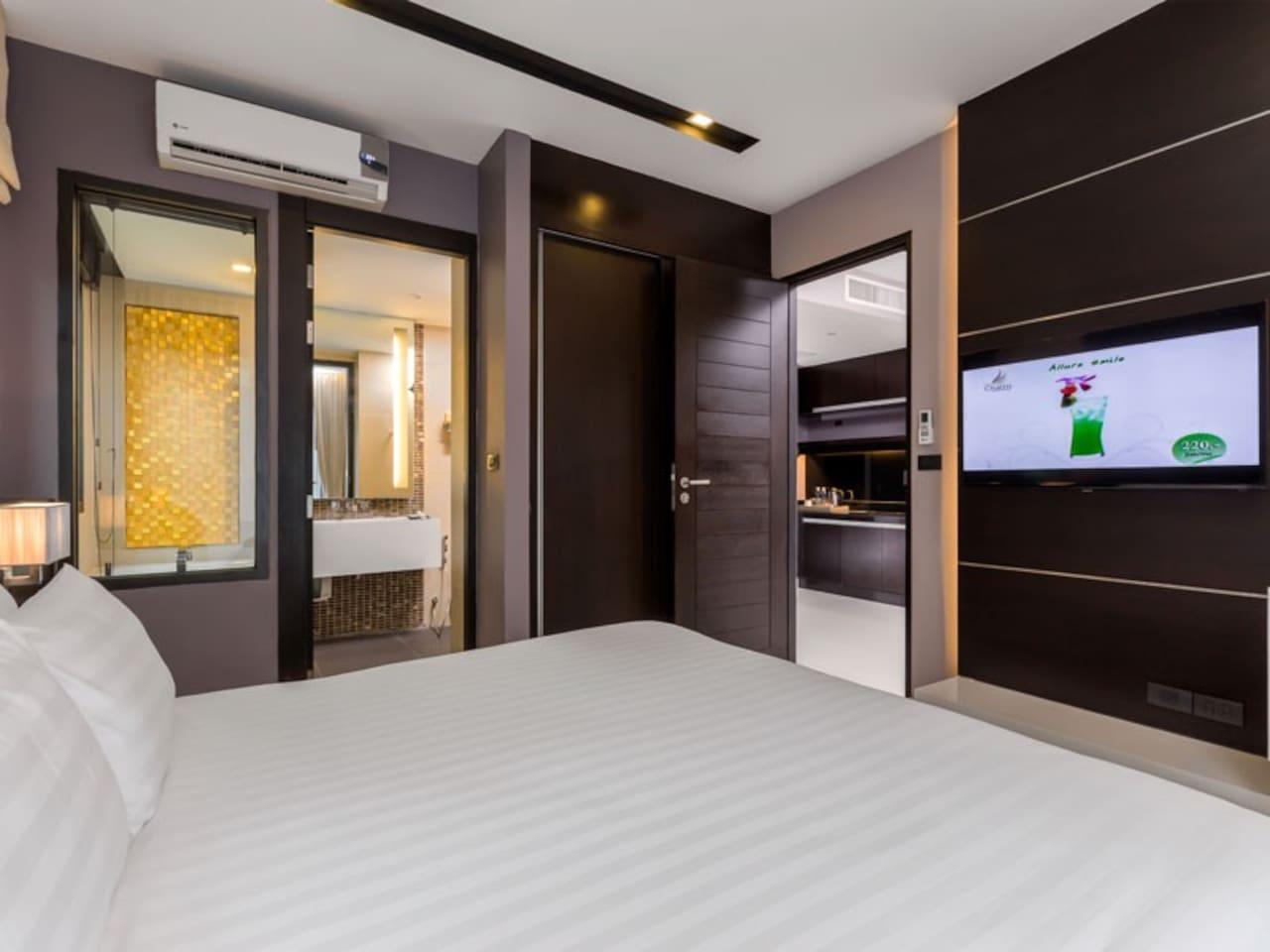 The Charm Resort Phuket - Junior suite room (02)