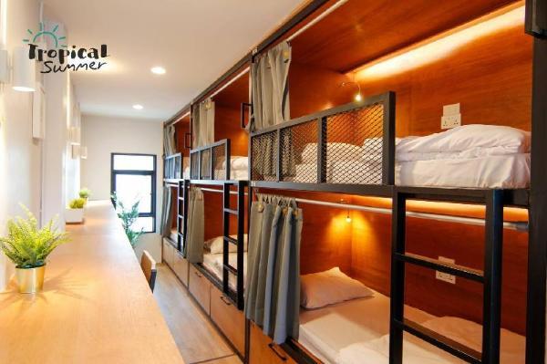 Family room 6 Beds in Tropical Summer Hostel Bangkok