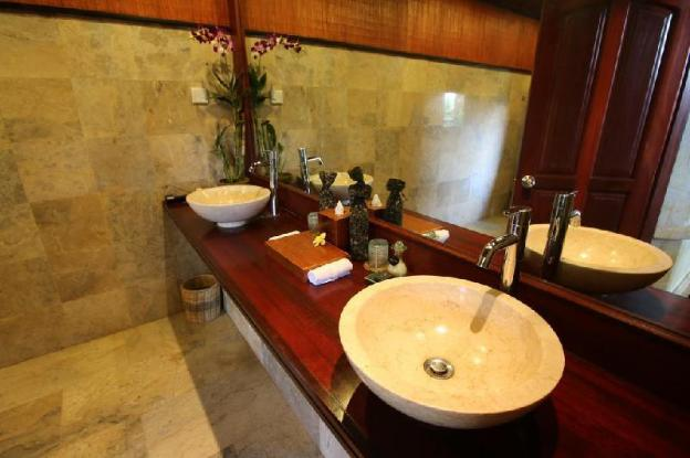 1BR River View Private Pool Villa +Bathtub +B'fast