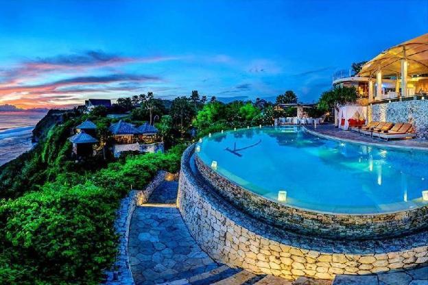 4 BR Grand Pool Villa - Breakfast
