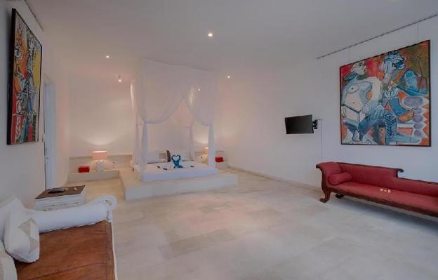 3 Bedroom Villa Private Pool Putih 1 - Breakfast
