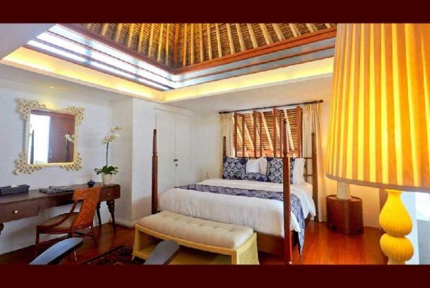 6BR Private Villa close to Potato Head Beach Club