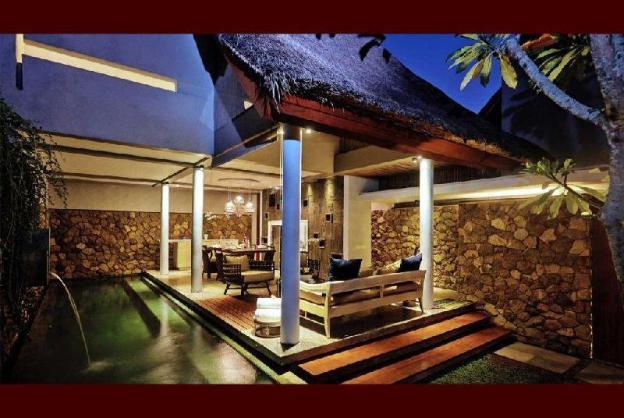 3BR Good Taste Villa Close to Bars Beach Shops
