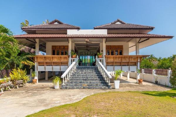Baan Pumichai Renthouse red apartment Prachuap Khiri Khan