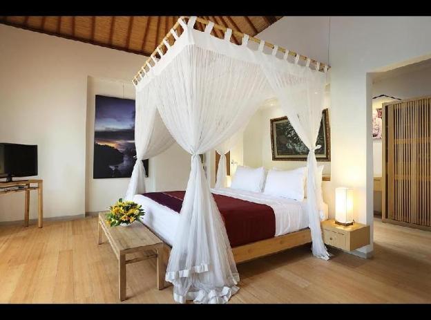 Three-Bedroom Villa with Private Pool - Breakfast