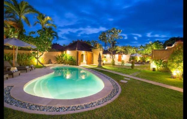 Stunning 3BR Private Villa close to the Beach