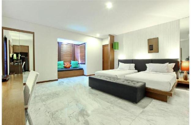 One Bedroom Deluxe Room - Breakfast - Bathtub