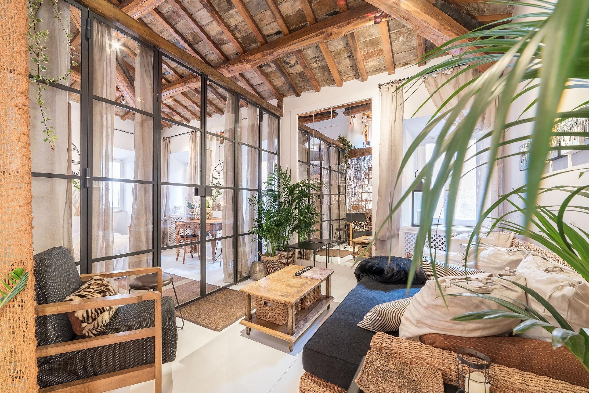 Charming Luxury Navona Apartment