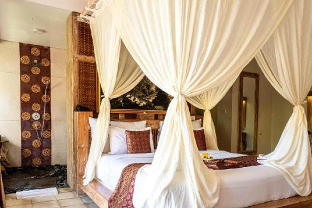 Cozy Room with Tropical Garden + Breakfast