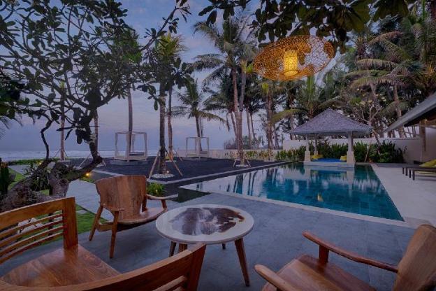 5 Bedroom Pool Villa Beach front - Breakfast