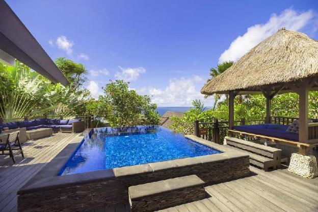 Spacious 4BR Grand Pool Villa, Breakfast, Bathtub