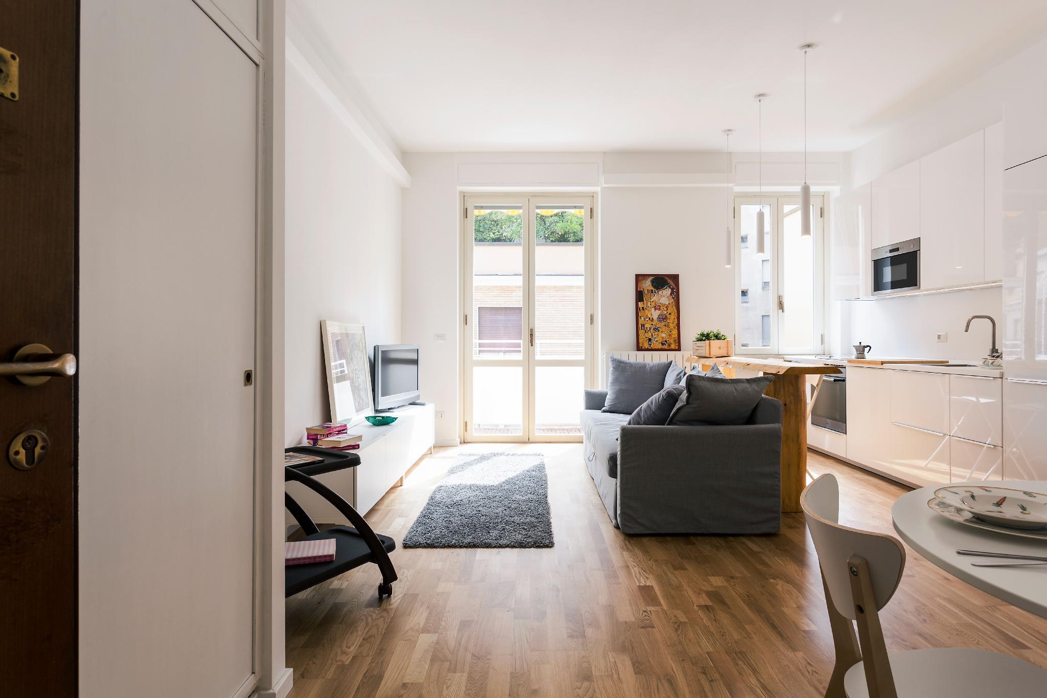 Bright and spacious 2 bedroom apartment-sapeto7 3p
