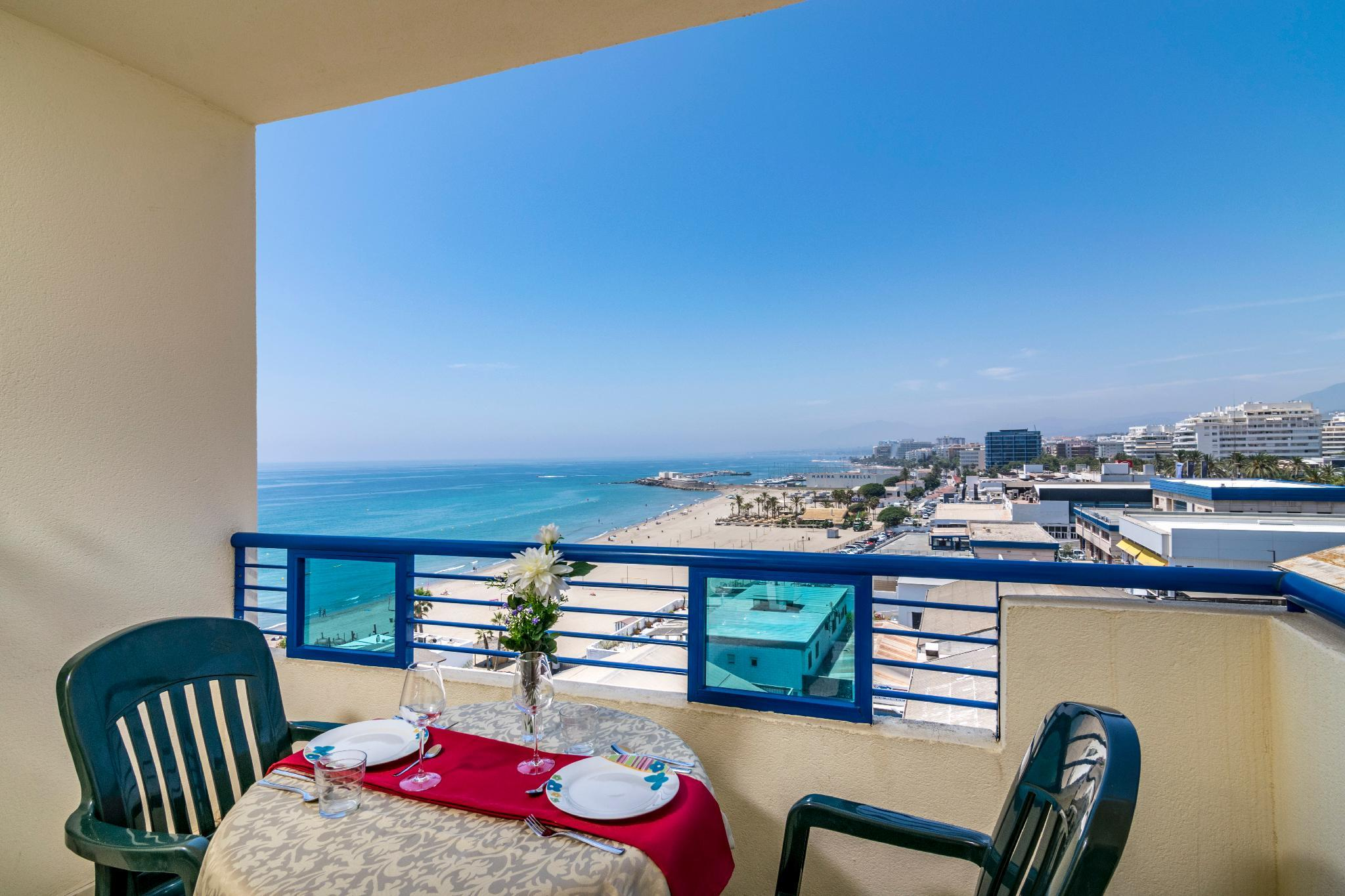 Holiday Apartment on the beach 374