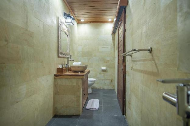 This  guest  house  is  perfect  for  honeymooner
